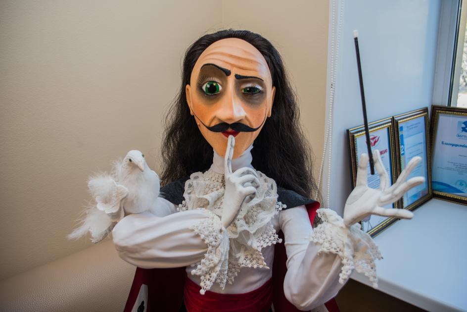 Из клининга в кукольницы – как обнаружился талант сотрудницы омского цирка?