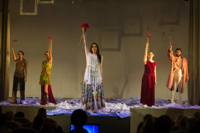 К юбилею молодежного театра мод «ОбраZ» сняли фильм