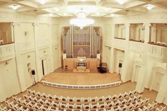 VIII Сибирский международный фестиваль органной музыки. КЭМЕРОН КАРПЕНТЕР, орган (США)